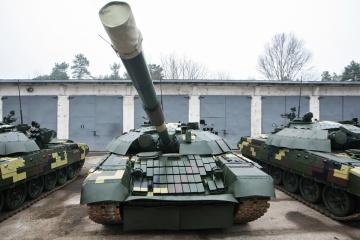 Kyiv Armored Plant transfers upgraded T-72 tanks to Ukrainian army