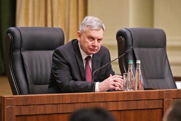 Umsetzung des nationalem Jahresprogramms: Verteidigungsminister Taran telefoniert mit Leiter der Nato-Vertretung Vinnikov