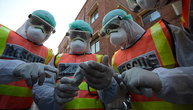 Китай передав Франції мільйон масок для захисту від коронавірусу