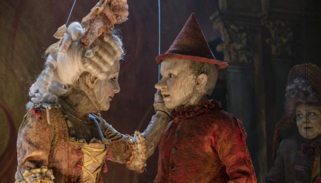 Кіноберезень: Почуття старої Англії, історія дерев'яної ляльки і тривале будівництво хати Катерини