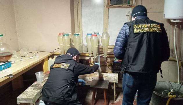 По 100 кило ежемесячно: полиция разоблачила крупнейший в Украине интернет-магазин наркотиков