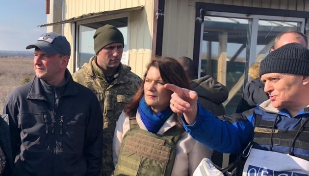 Swedish foreign minister visits Donbas to see consequences of Russian aggression