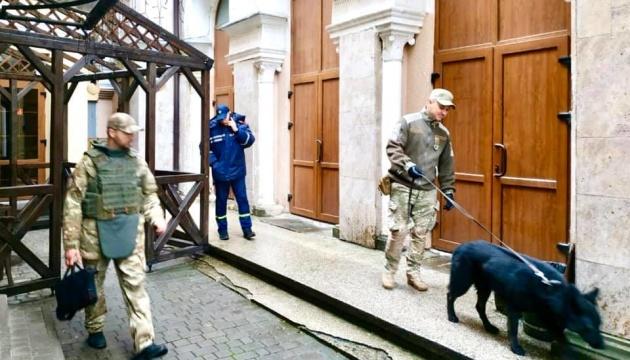 В синагогах Житомира, Харькова и Франковска взрывчатки не нашли