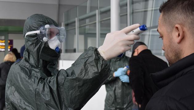 Скринінг на кордоні: за добу перевірили понад 100 тисяч громадян, у двох - температура