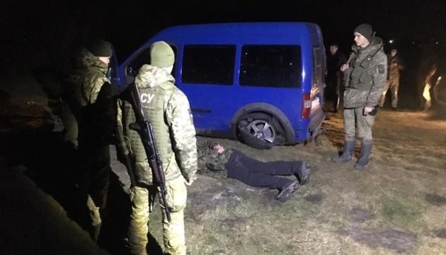 На границе с Польшей нарушителя задерживали со стрельбой