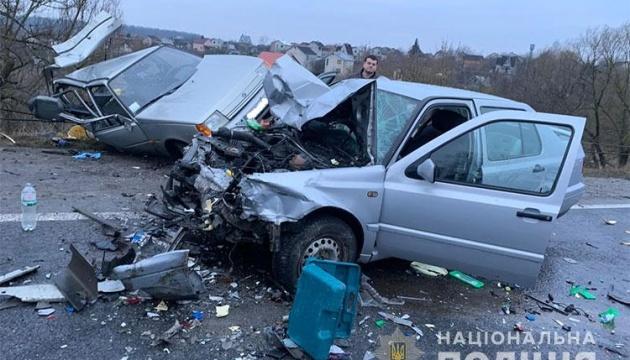 На Тернопільщині зіткнулися легковики, серед постраждалих є дитина