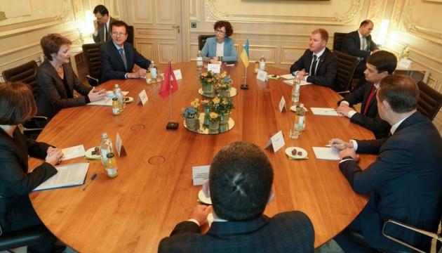 Україна зацікавилася швейцарським досвідом децентралізації