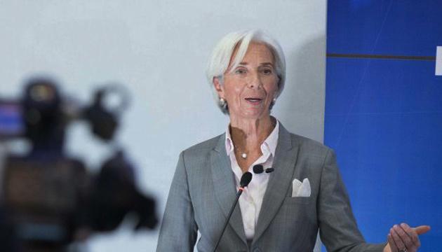 Нові карантинні обмеження посилюють невизначеність в економіці Єврозони - Лагард