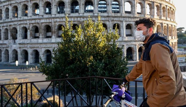 Італія вводить обовязковий масковий режим у вечірній час