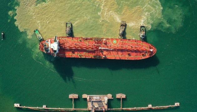 Ucrania recibe el primer petrolero con el Azeri Light para Belarús