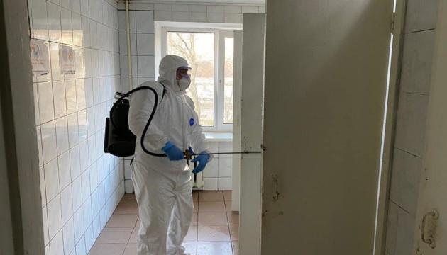 У киянина, який контактував із померлою в Радомишлі, коронавірусу не знайшли