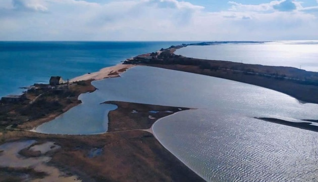 Зниклих в Азовському морі рибалок шукають за допомогою гелікоптера