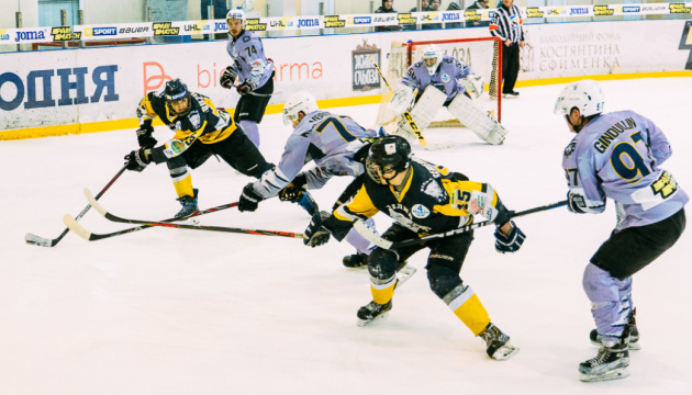 «Білий Барс» вийшов у півфінал плей-офф УХЛ