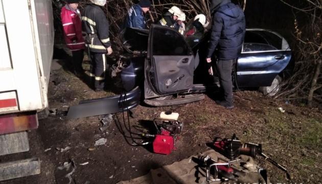 На Миколаївщині зіткнулися вантажівка та легковик, є загиблий