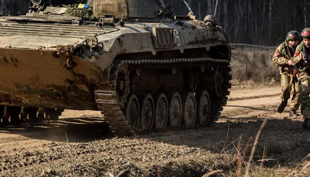 Donbass : les troupes russes ont lancé 15 attaques, un soldat ukrainien tué et un autre blessé