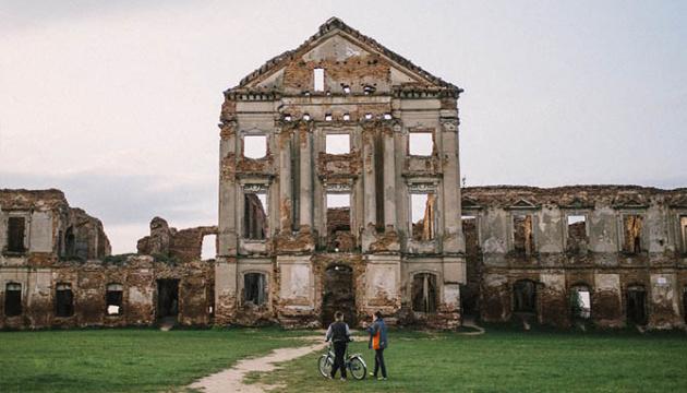 В Беларуси реставрируют дворец Сапегов