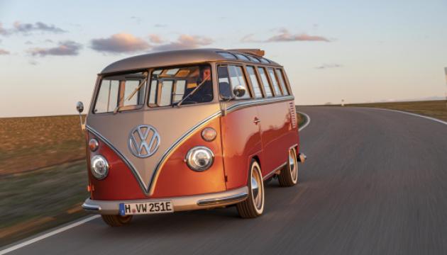 Volkswagen представив електричний мінібус