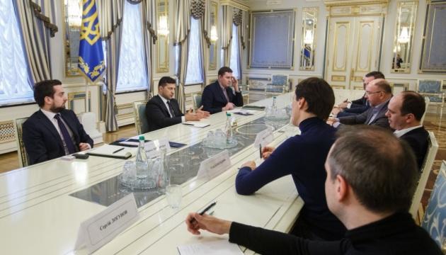 Зеленський обговорив запуск освітнього проєкту для школярів з керівниками телеканалів