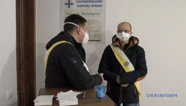 У трьох областях України перевіряють ще 11 підозр на коронавірус