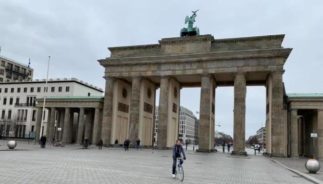 МОЗ Німеччини застерігає: швидкий вихід з локдауну загрожує новим спалахом COVID-19