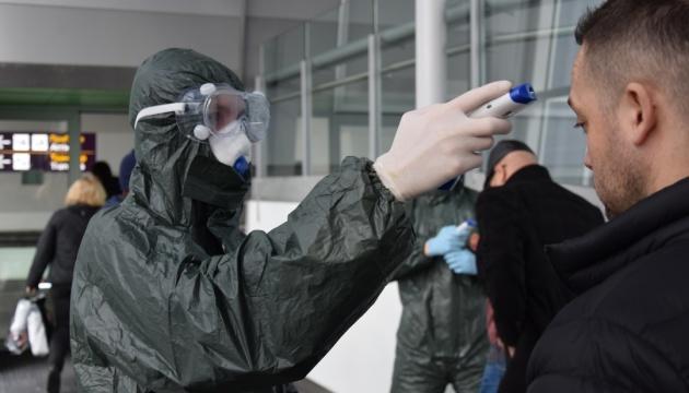 За добу в Україну в'їхали понад 15 тисяч осіб, у одного експрес-тест виявив коронавірус