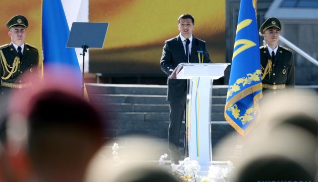 Зеленський – військовим: Захист України залишається пріоритетом попри коронавірус