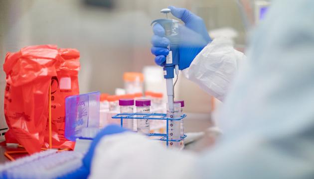 Бельгія випробовує на хворих чотири стратегії лікування коронавірусу