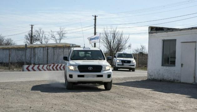 Окупанти не пускають на Донбас міжнародних спостерігачів і місцевих жителів