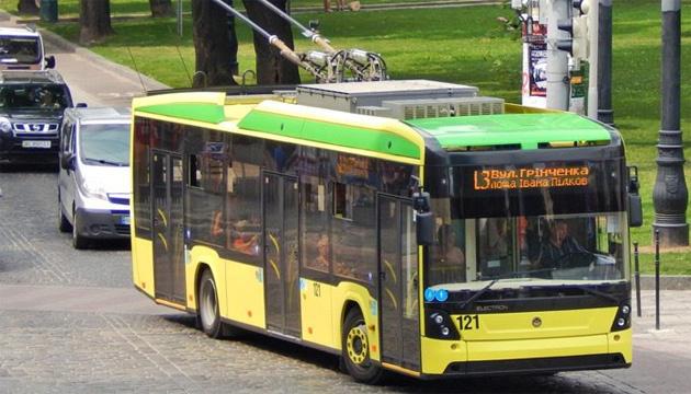 У Львові попри надзвичайну ситуацію працює громадський транспорт
