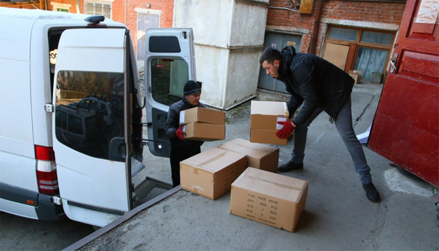 Прикарпаття отримало з держрезерву 350 тисяч медичних масок та 2 апарати ШВЛ