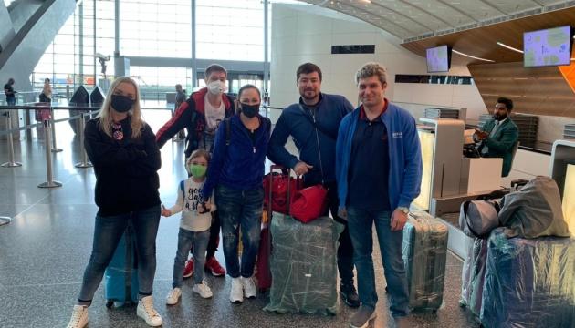 З Катару до України повернулися майже 100 українців - посольство