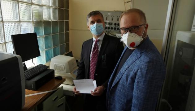 ウクライナ国内研究所、国産の新型コロナ検査システムを開発