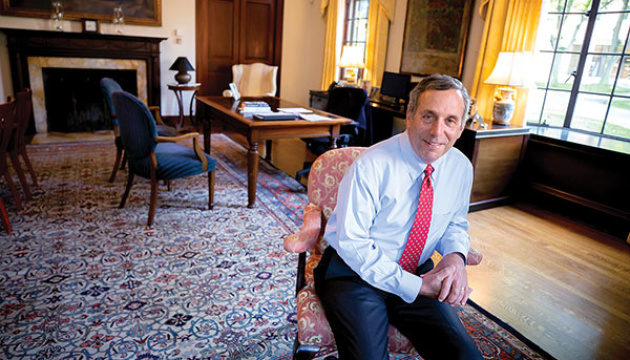 Президент Гарвардського університету та його дружина заразилися коронавірусом