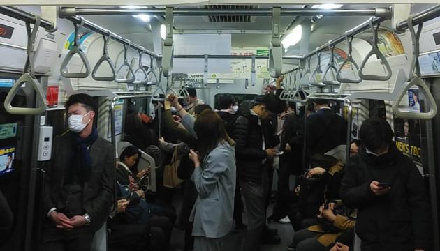 КоронаКанатоходець: як Японія уникає масового зараження без зупинки метро