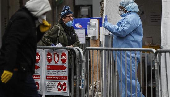 У штаті Нью-Йорк кількість інфікованих коронавірусом перевищила 100 тисяч