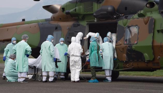 У Франції заражених коронавірусом - майже 57 тисяч, більше 4000 смертей
