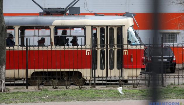Київ дозволив пільговикам проїзд за старими посвідченнями до кінця року