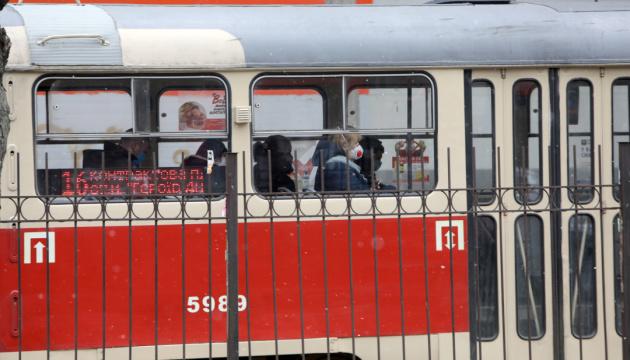 Кличко - про роботу транспорту: Не більш як половина салону, маски й рукавички