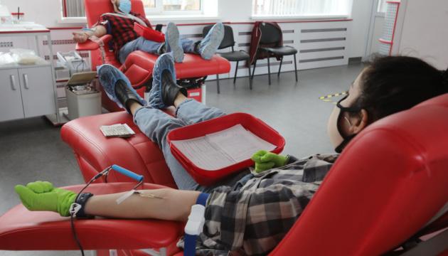 Закон про безпеку та якість донорської крові передали на підпис Президенту