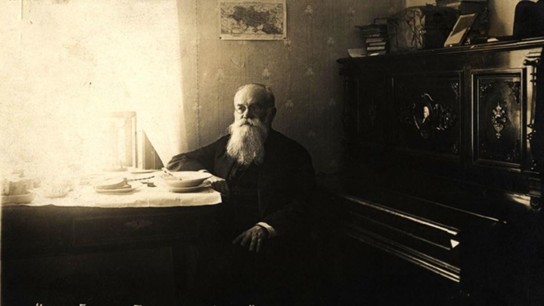 Статут УВУ писав М.Грушевський
