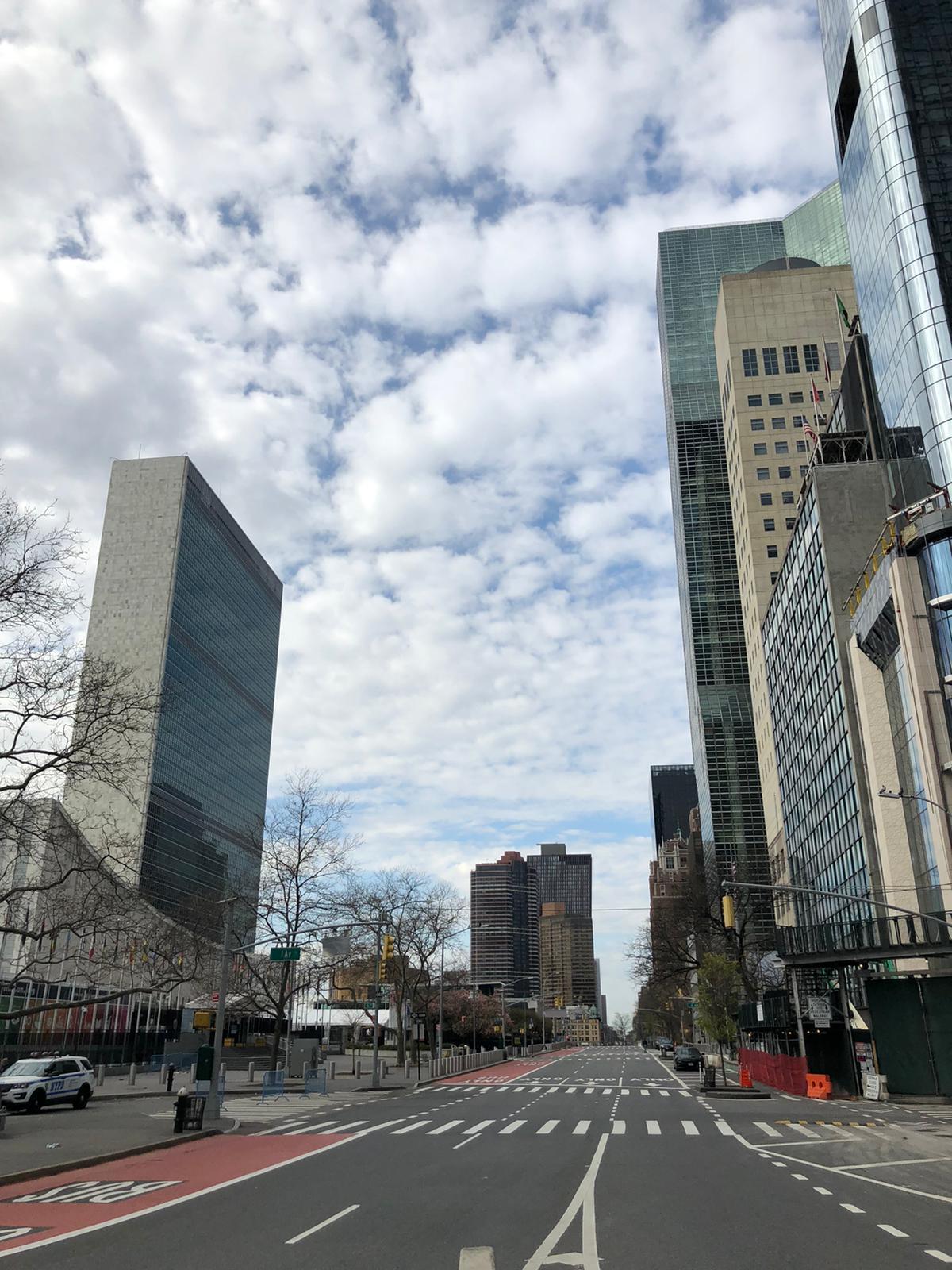 Пусті вулиці Мангетена біля ООН