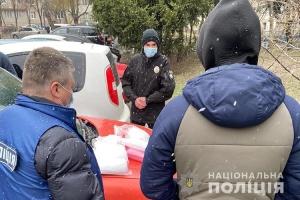 Тернополянин погорів на незаконній торгівлі медичними масками