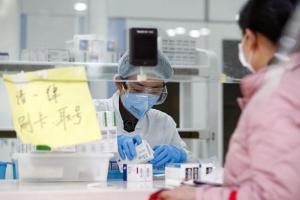 У пенсіонерки з  Китаю знову виявили COVID-19 через пів року після одужання