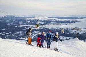 У Швеції через коронавірус закривають лижні курорти