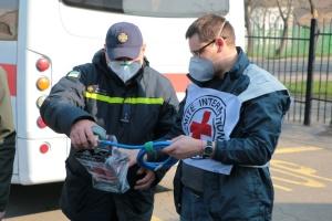 Червоний Хрест передав рятувальникам Донеччини обладнання для боротьби з COVID-19