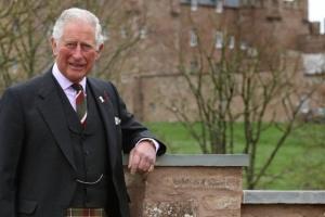 Принц Чарльз хоче позбавити сина Гаррі королівського титулу – ЗМІ