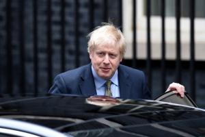 Прем'єр Британії Борис Джонсон із коронавірусом потрапив до лікарні