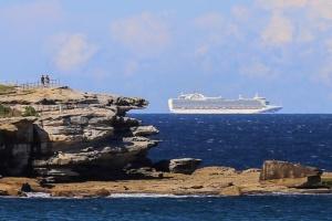 В Австралии расследуют заражение на лайнере: 622 пассажира заболели Covid-19 после высадки