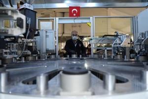 Міноборони Туреччини налагодило виробництво масок та спецодягу