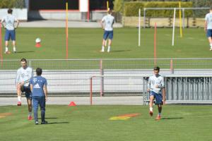 """Футболісти """"Баварії"""" відновили командні тренування"""